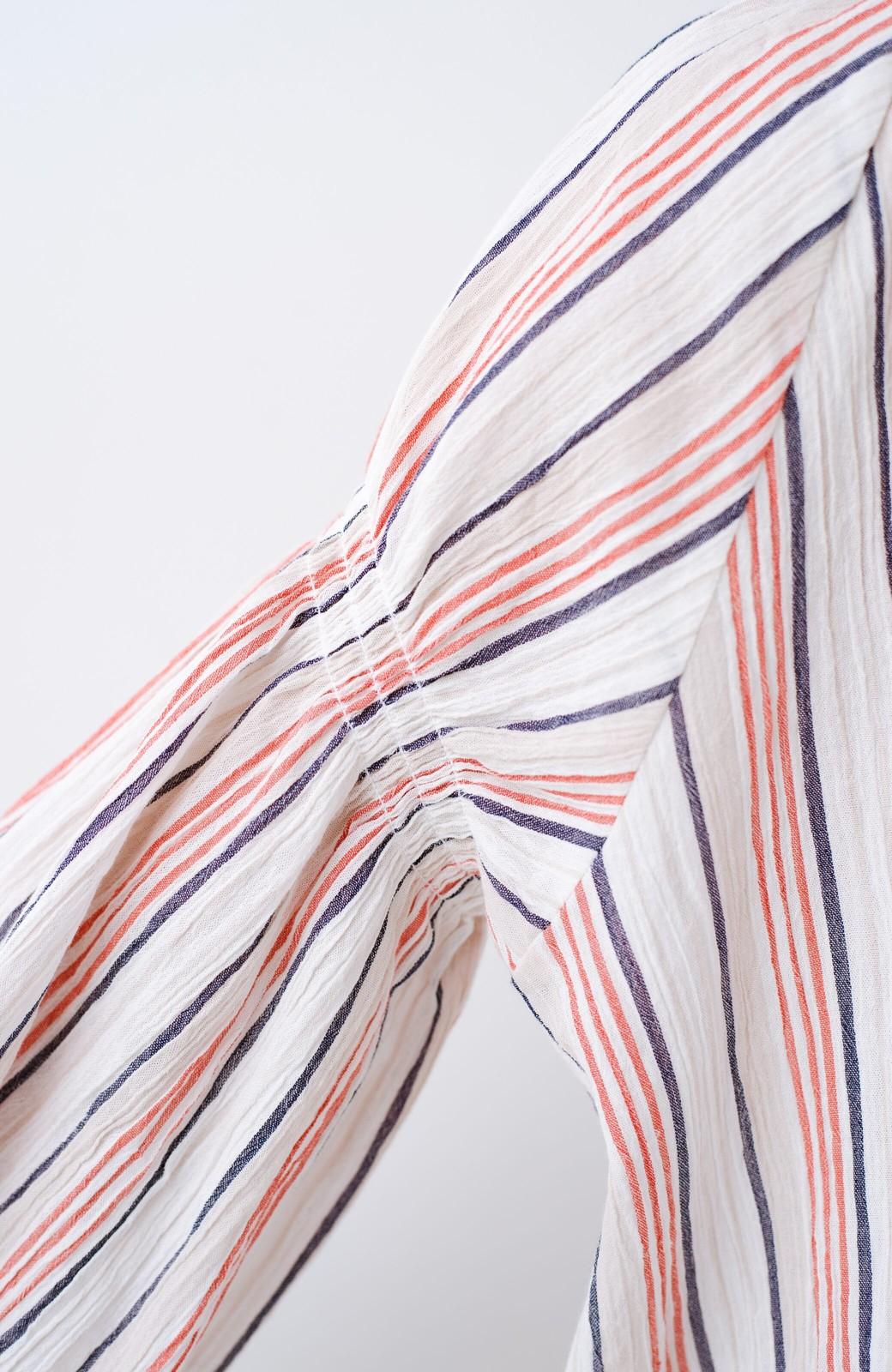 haco! haco! 時間のない朝でも気分の上がる コーデがパッと完成する 羽織にもなるやわらか楊柳素材のストライプワンピース <レッド系その他>の商品写真11