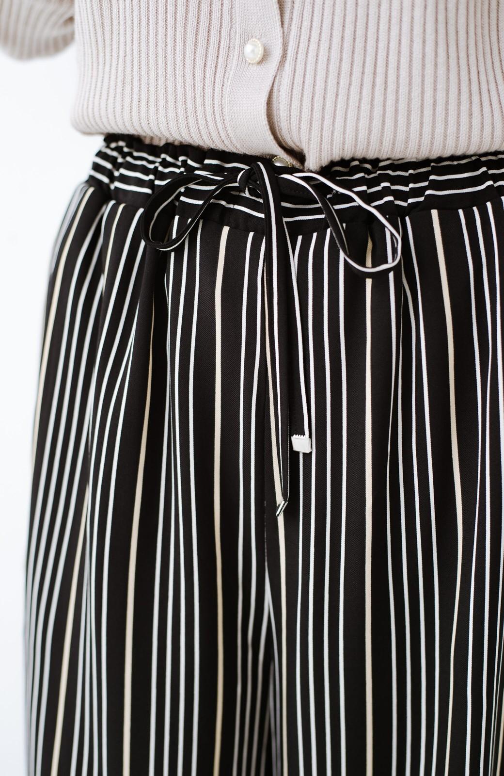 haco! パッとはくだけで着映えはもちろん 重ね着にも便利なストライプワイドパンツ <ブラック系その他>の商品写真8