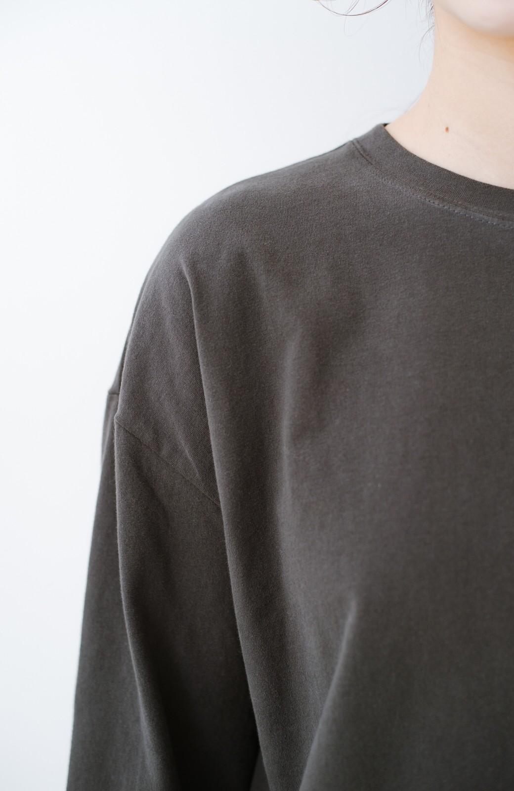 haco!  ゆるシルエットがオシャレ見え&華奢見せを叶える 便利すぎるロングTシャツ <チャコールグレー>の商品写真5
