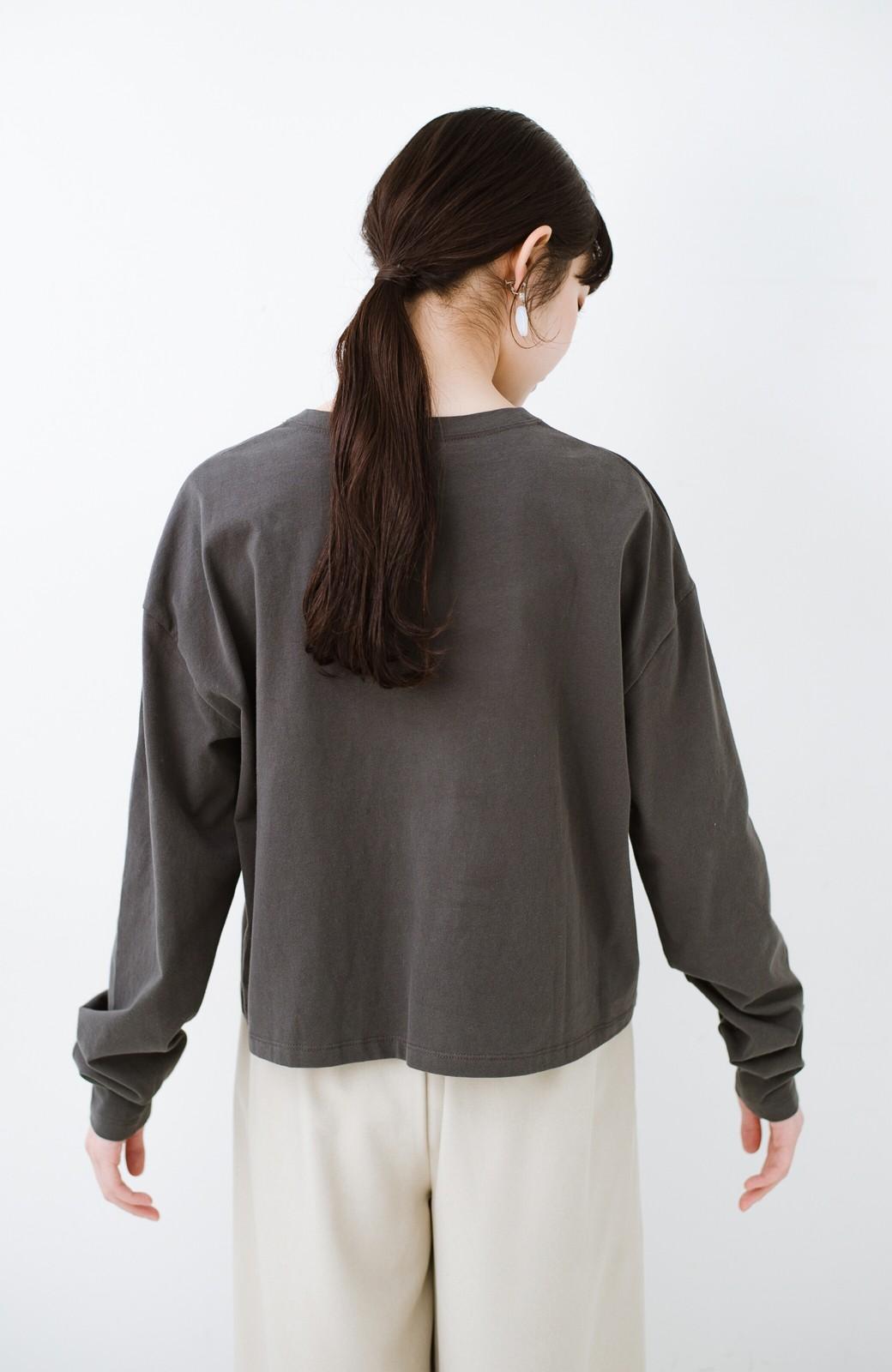 haco!  ゆるシルエットがオシャレ見え&華奢見せを叶える 便利すぎるロングTシャツ <チャコールグレー>の商品写真14