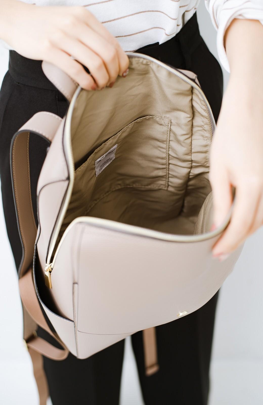 haco! Legato Largo かるいかばんシリーズ 軽量ボンディングフェイクレザー リュック <グレイッシュベージュ>の商品写真3