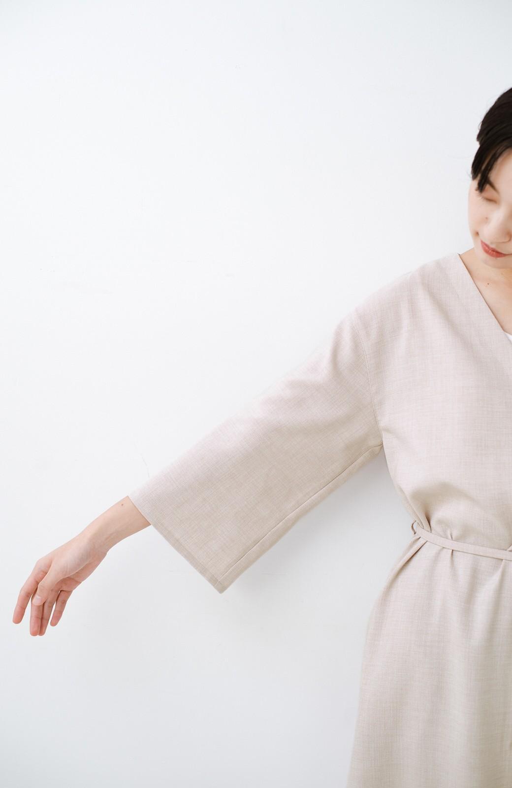 haco! 肩こり知らず!カーデぐらい気軽に羽織れる麻調素材のロングコート <ベージュ>の商品写真16