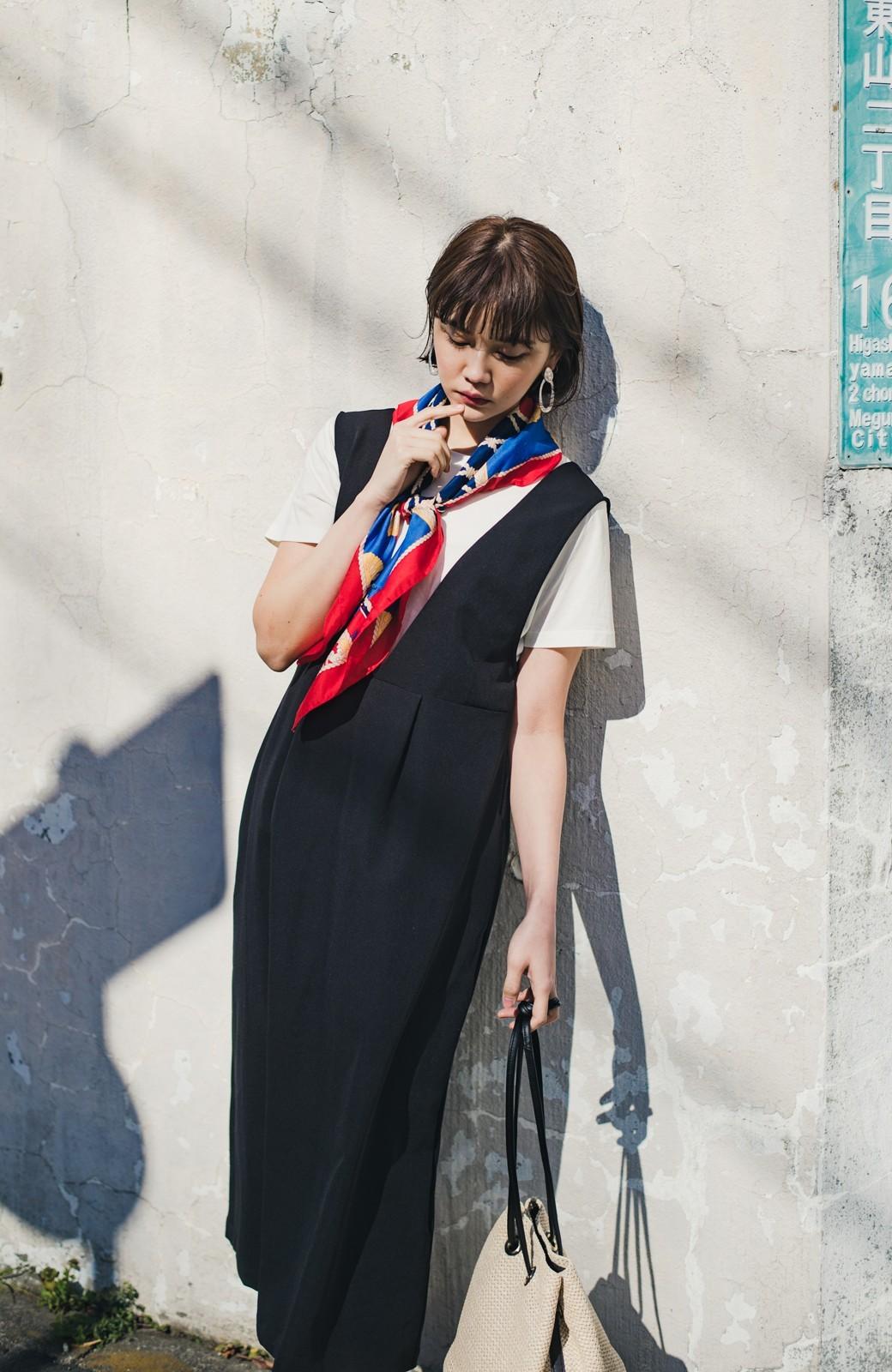 haco! ニットにもTシャツにも似合う ずっと着られてパッと華やぐジャンパースカート <ブラック>の商品写真18