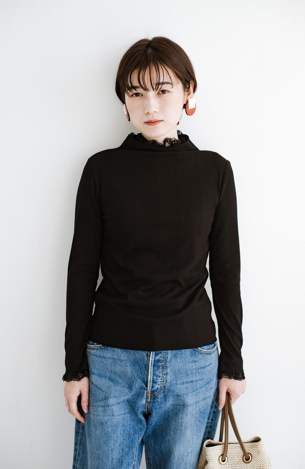 haco! 1枚でも重ねても便利!テレコ素材できれいに着られる衿レース付きカットソートップスby style zampa <ブラック>の商品写真10