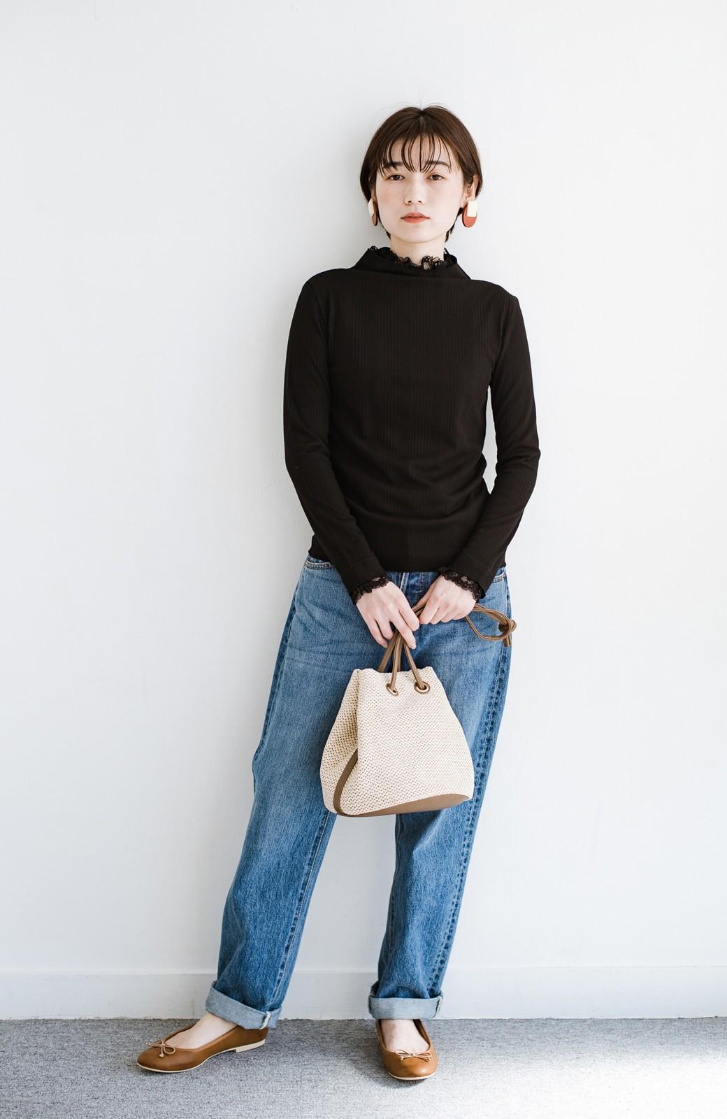 haco! 1枚でも重ねても便利!テレコ素材できれいに着られる衿レース付きカットソートップスby style zampa <ブラック>の商品写真8
