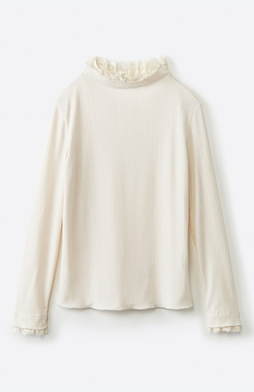 haco! 1枚でも重ねても便利!テレコ素材できれいに着られる衿レース付きカットソートップスby style zampa <オフホワイト>の商品写真