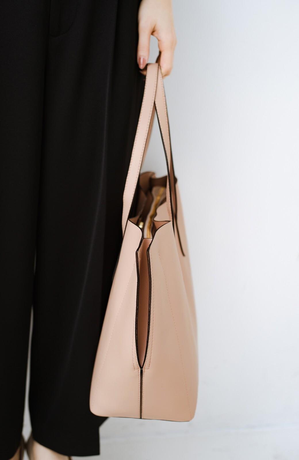 haco! Legato Largo かるいかばんシリーズ 軽量ボンディングフェイクレザー A4トートバッグ <ピンクベージュ>の商品写真3