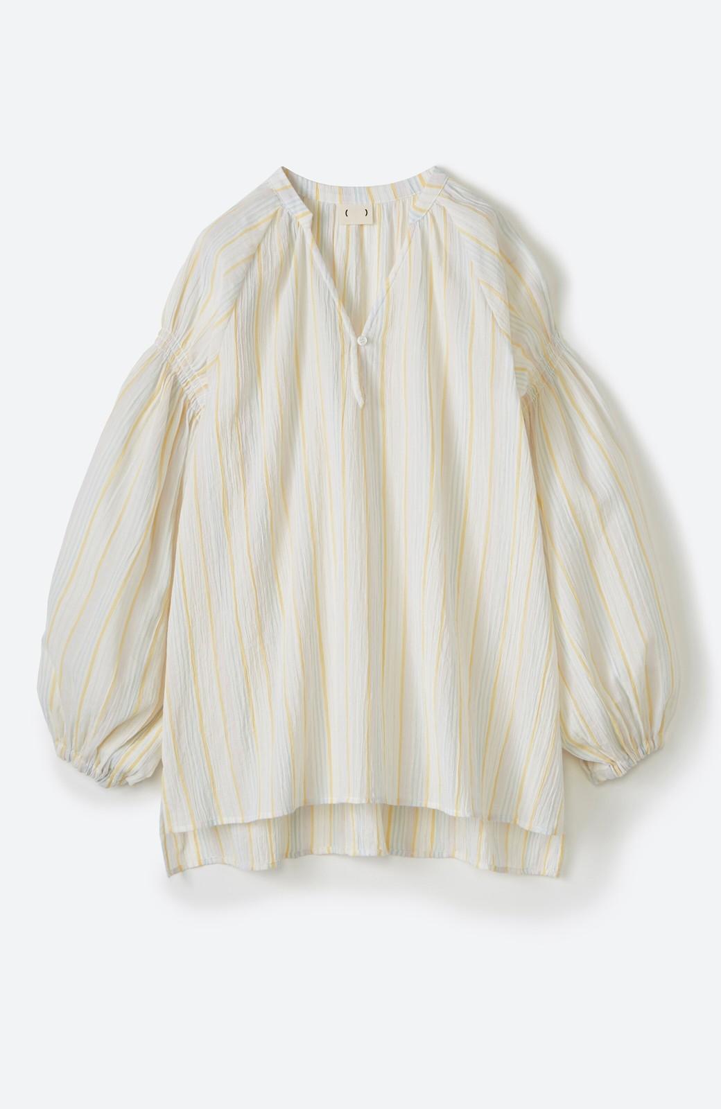 haco! 気になるところをかわいく隠してぱっと華やか やわらかな楊柳ストライプブラウス <ホワイト×イエロー>の商品写真16