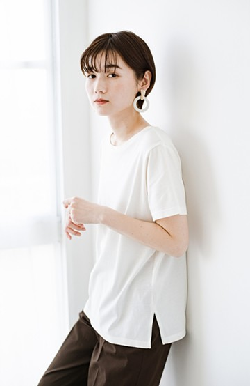 haco! 汗染み軽減加工で安心!1枚でも重ね着にも便利なシンプルTシャツ by ZAMPA <ホワイト>の商品写真