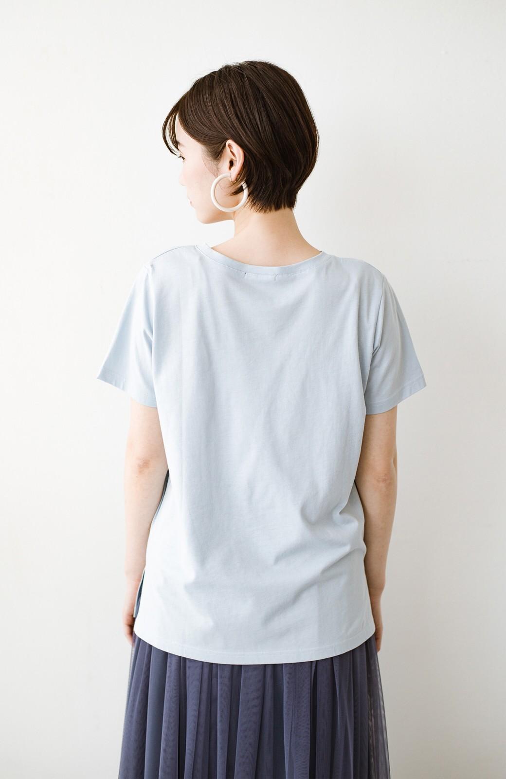 haco! 汗染み軽減加工で安心!1枚でも重ね着にも便利なシンプルTシャツ by ZAMPA <サックスブルー>の商品写真12