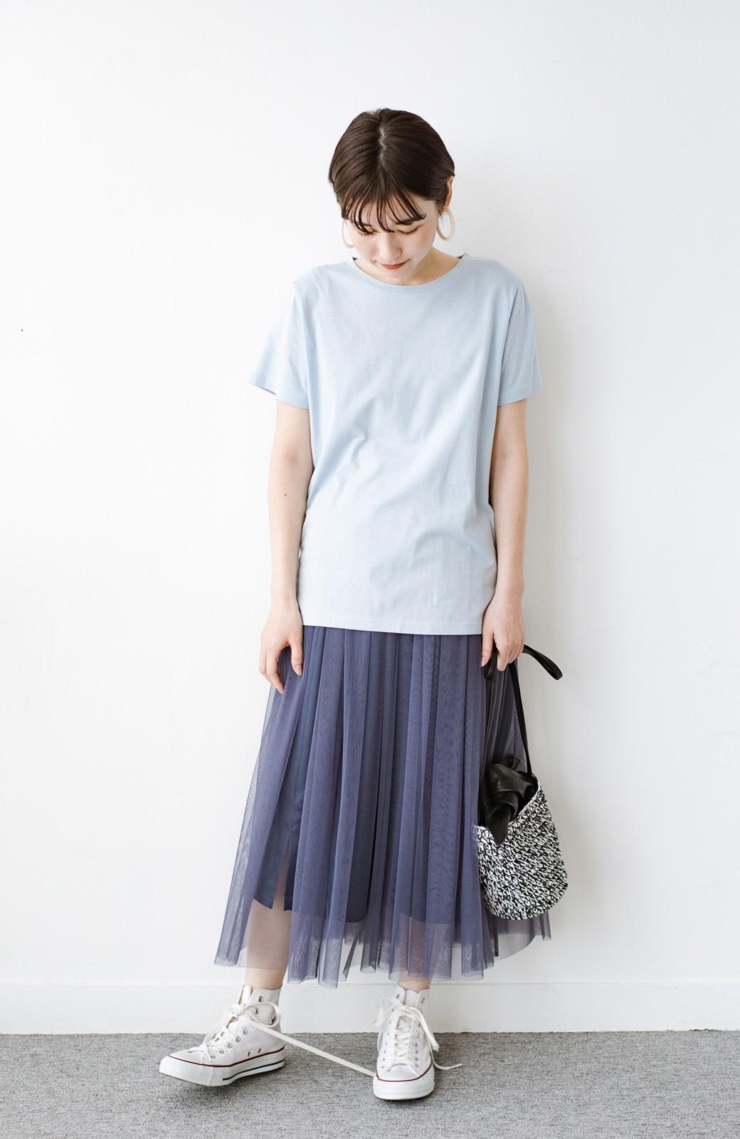 haco! 汗染み軽減加工で安心!1枚でも重ね着にも便利なシンプルTシャツ by ZAMPA <サックスブルー>の商品写真4