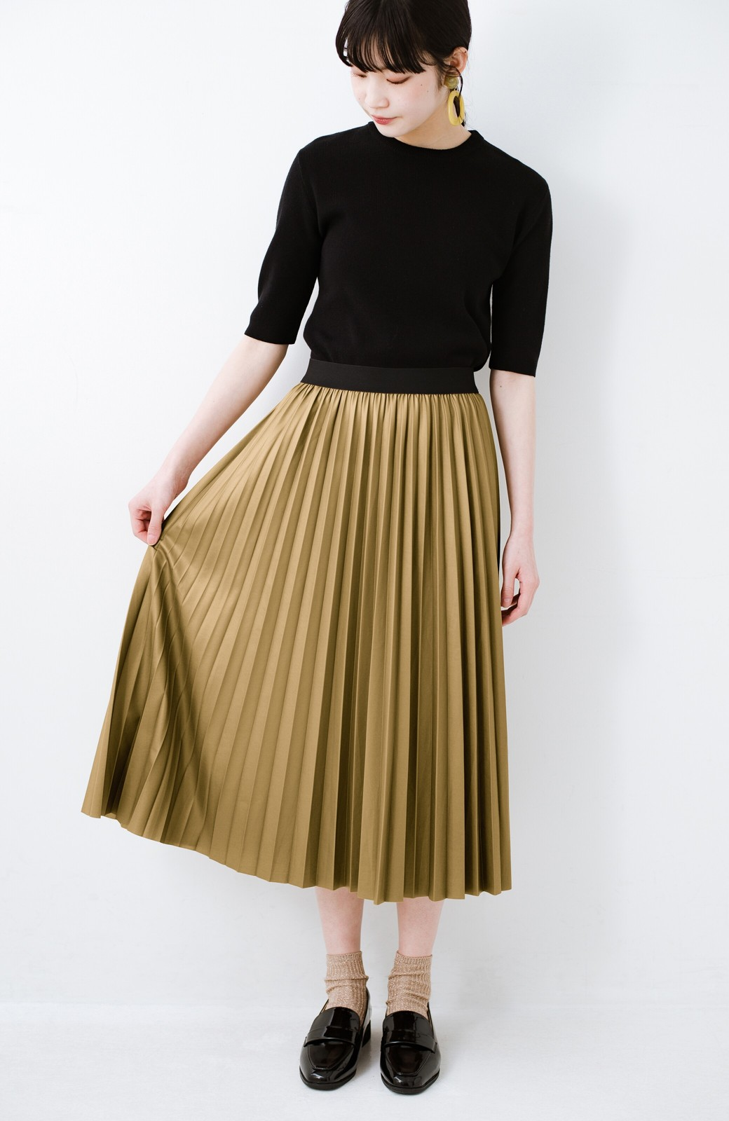haco! コーデが一気に引き締まるフェイクレザー風プリーツスカート by laulea  <マスタード>の商品写真3