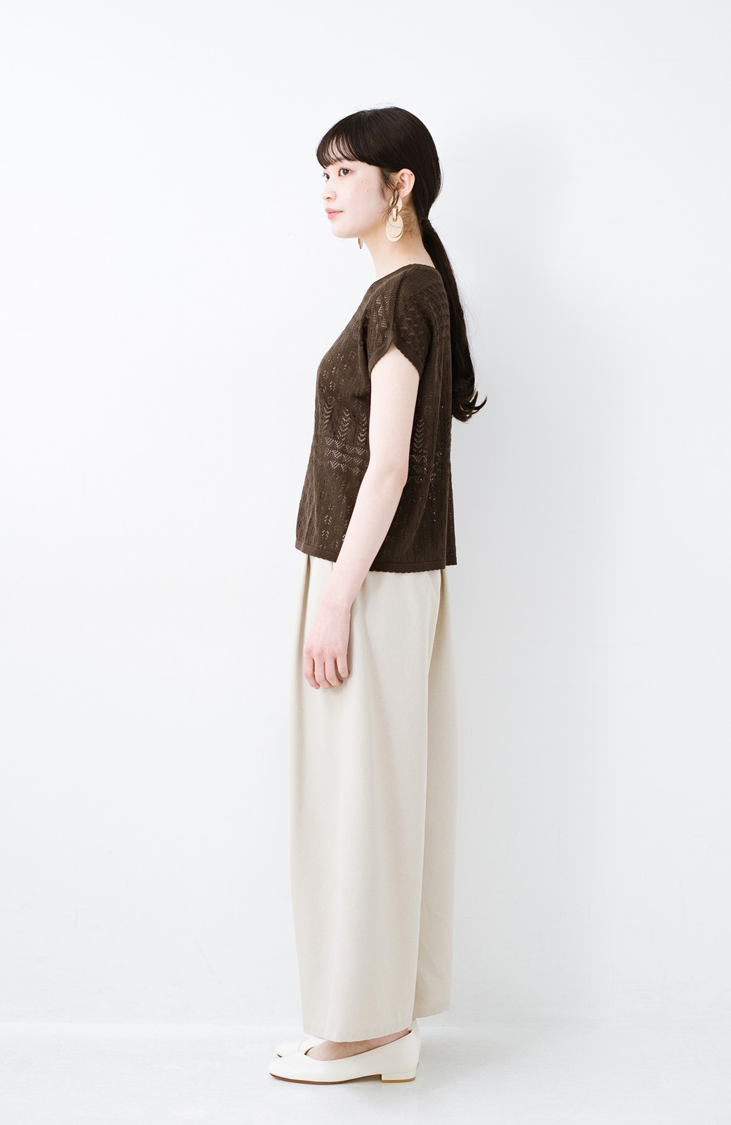 haco! 1枚でも重ね着にも便利なヘビロテしたくなる透かし編みニットトップス <チョコ>の商品写真9
