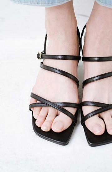 haco! 玄関でこれを履くだけでコーデが女っぽく&今っぽくまとまる 華奢な紐のヒールサンダル <ブラック>の商品写真