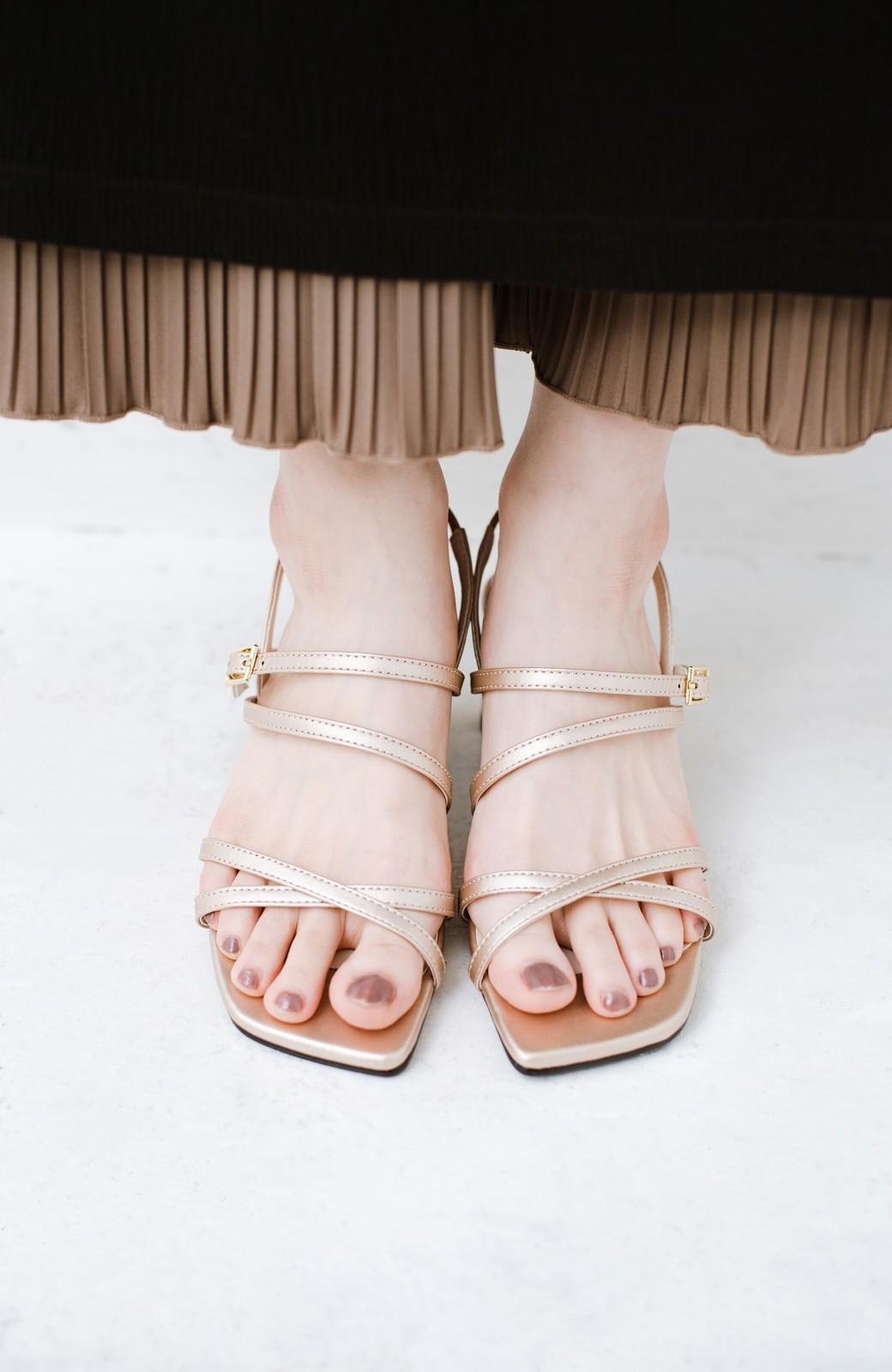 haco! 玄関でこれを履くだけでコーデが女っぽく&今っぽくまとまる 華奢な紐のヒールサンダル <ゴールド>の商品写真5