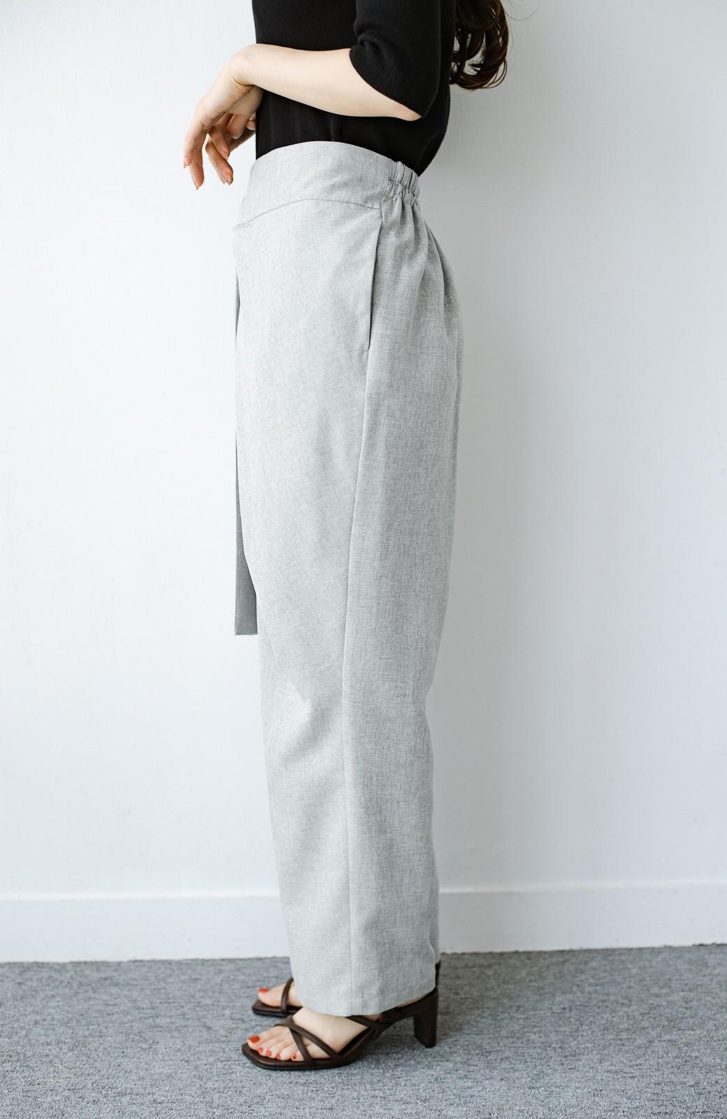 haco! パンツ派だけどきれいでいたい!を叶えてくれる 麻風素材のラップデザインパンツ <ライトグレー>の商品写真5