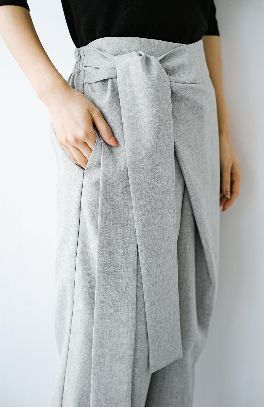 haco! パンツ派だけどきれいでいたい!を叶えてくれる 麻風素材のラップデザインパンツ <ライトグレー>の商品写真8