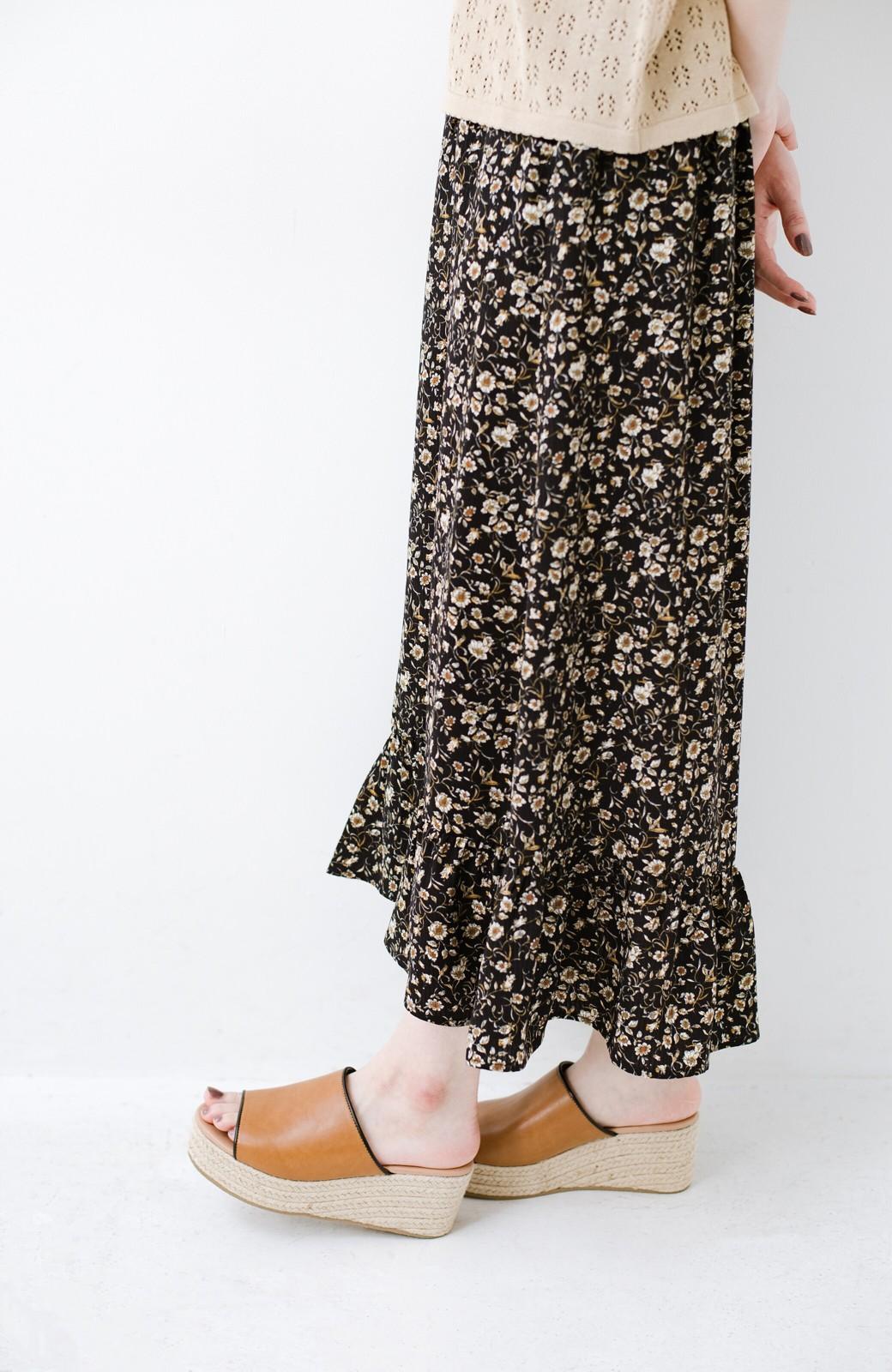 haco! 足を甘やかしながらもすっきり見せたいときに便利な バイカラーのプラットフォームサンダル <キャメル>の商品写真4
