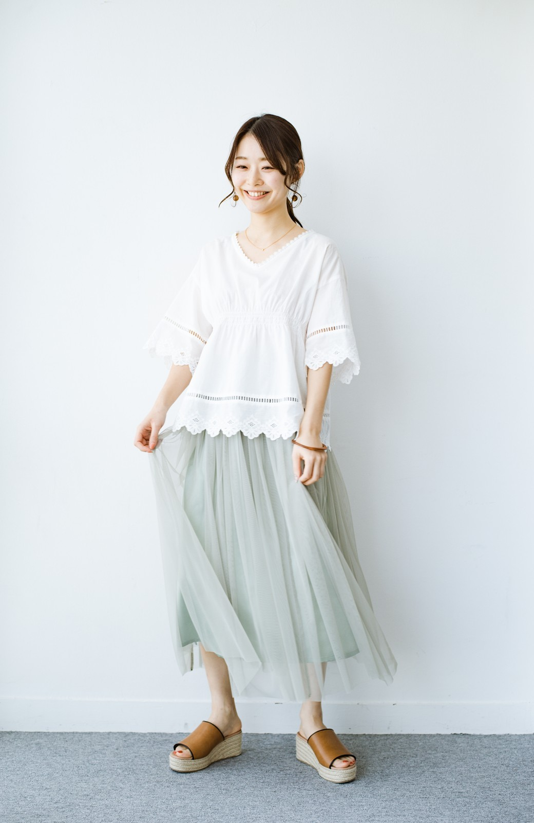 haco! 着るだけでルンとした気分になる! 長ーーい季節着られてずっと使えるオトナのためのチュールスカート <グリーン>の商品写真3