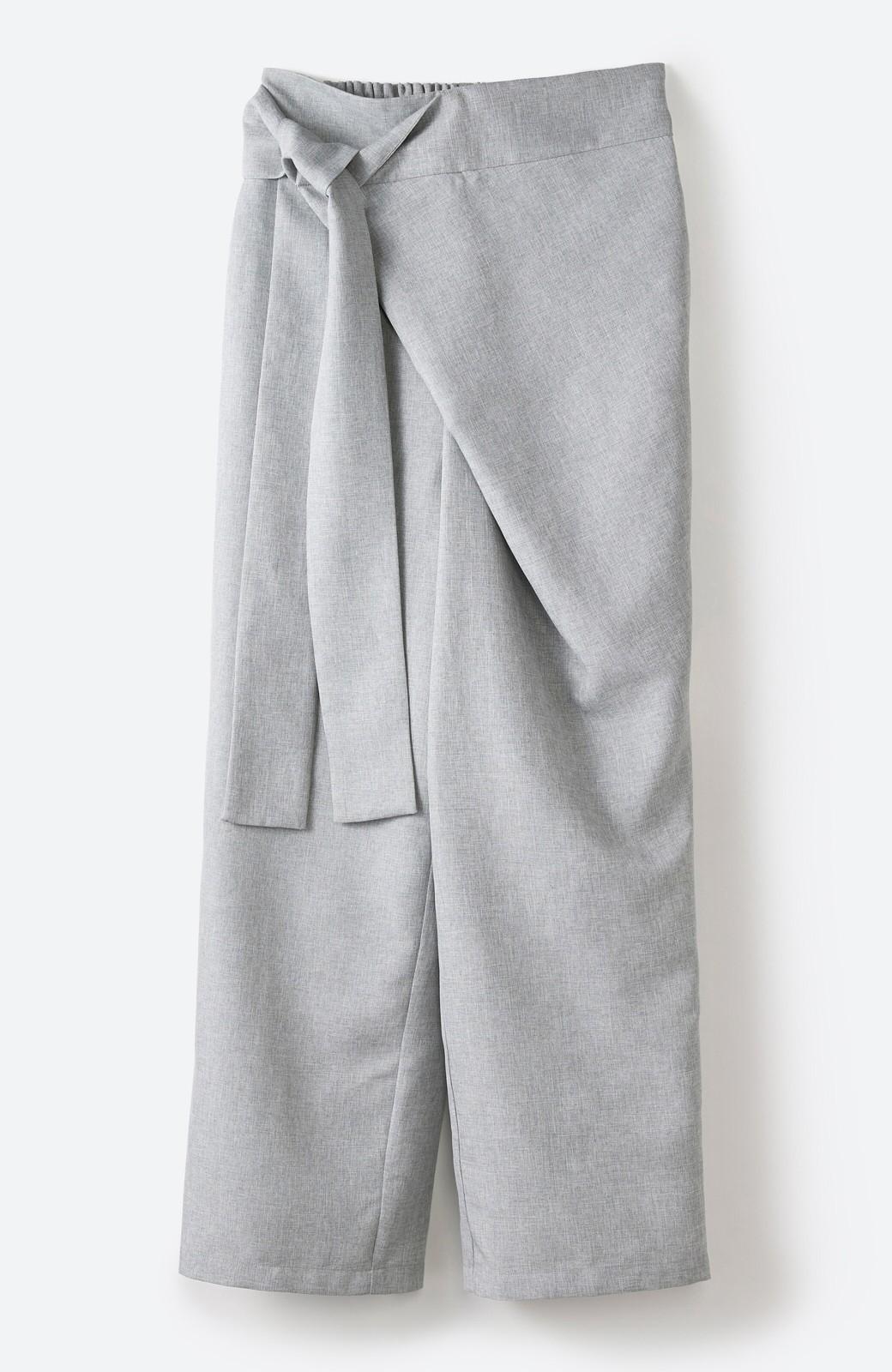 haco! パンツ派だけどきれいでいたい!を叶えてくれる 麻風素材のラップデザインパンツ <ライトグレー>の商品写真2
