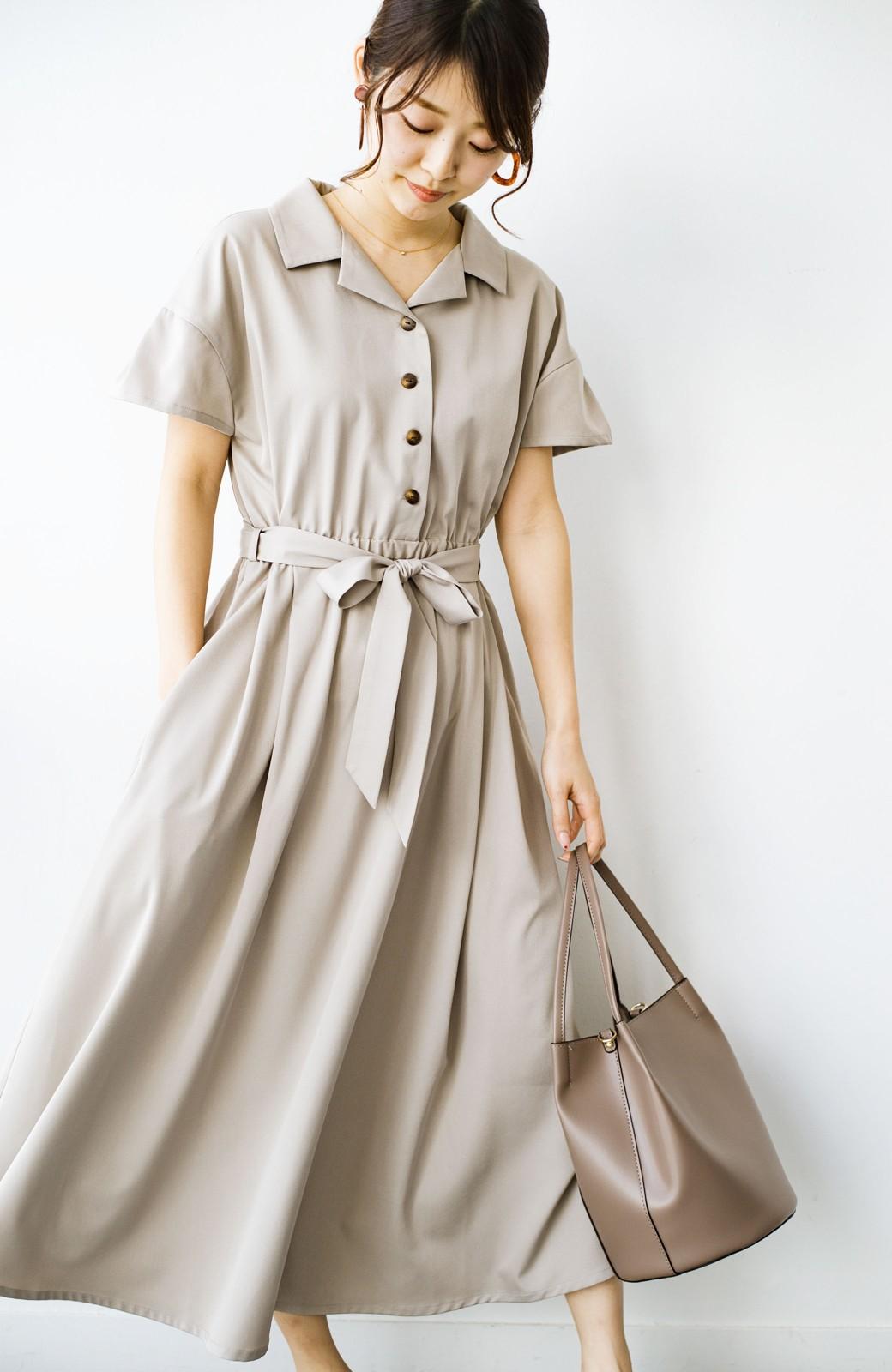 haco! きちんとしなきゃいけないけど可愛くいたいときに便利な とろみ素材の開衿ワンピース <ベージュ>の商品写真1