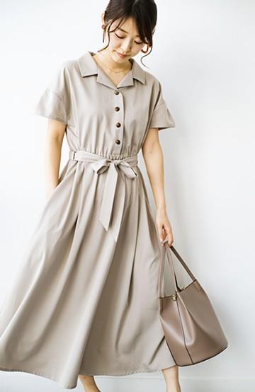 haco! きちんとしなきゃいけないけど可愛くいたいときに便利な とろみ素材の開衿ワンピース <ベージュ>の商品写真