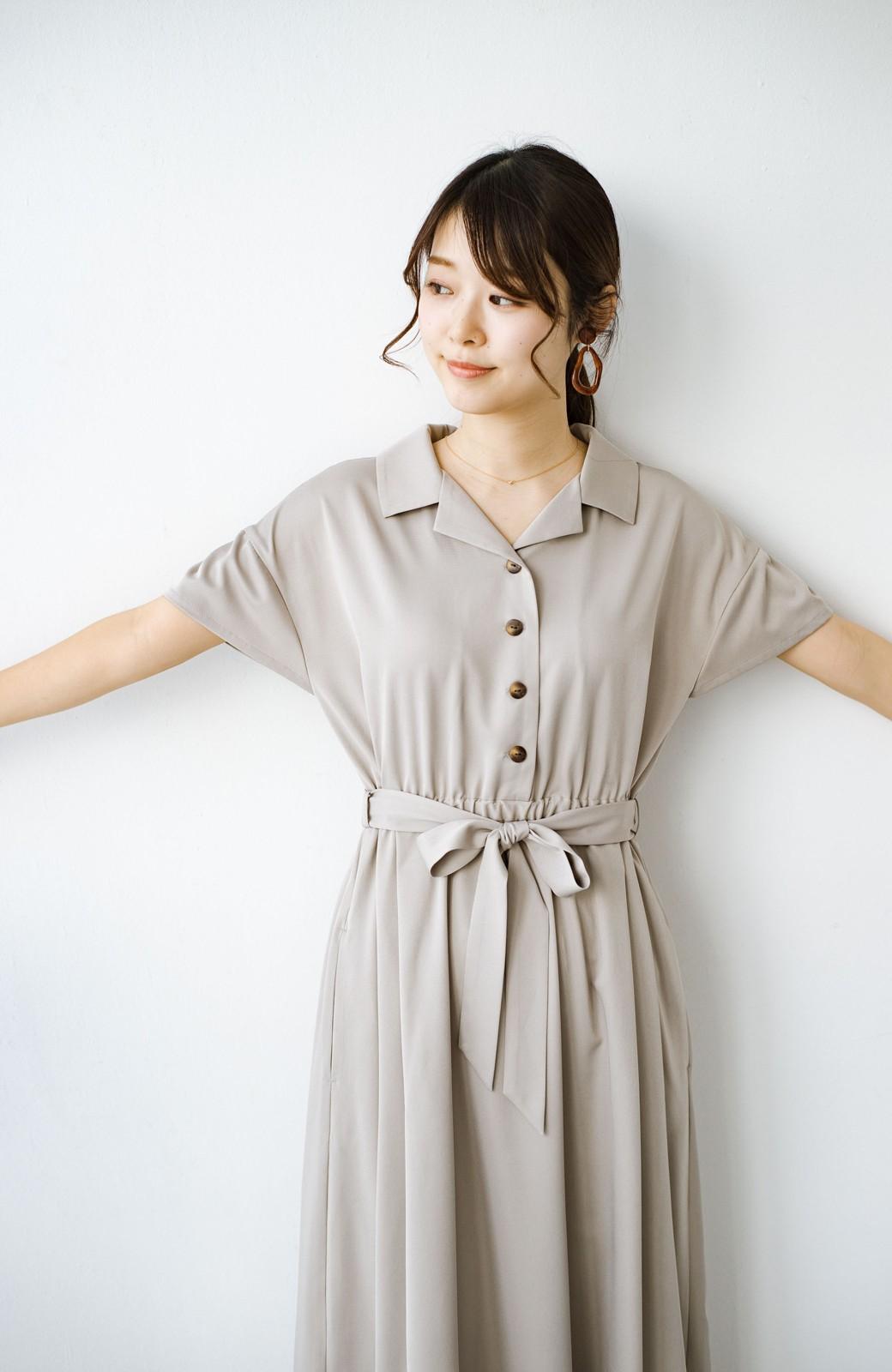 haco! きちんとしなきゃいけないけど可愛くいたいときに便利な とろみ素材の開衿ワンピース <ベージュ>の商品写真17