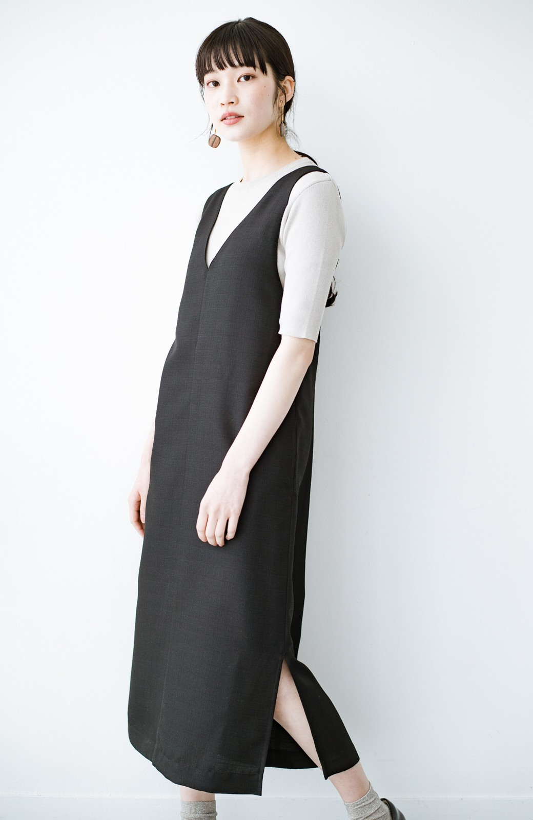 haco! 何てことないTシャツと重ねるだけでパッとかわいくなれる 魔法のようなジャンパースカート <ブラック>の商品写真16
