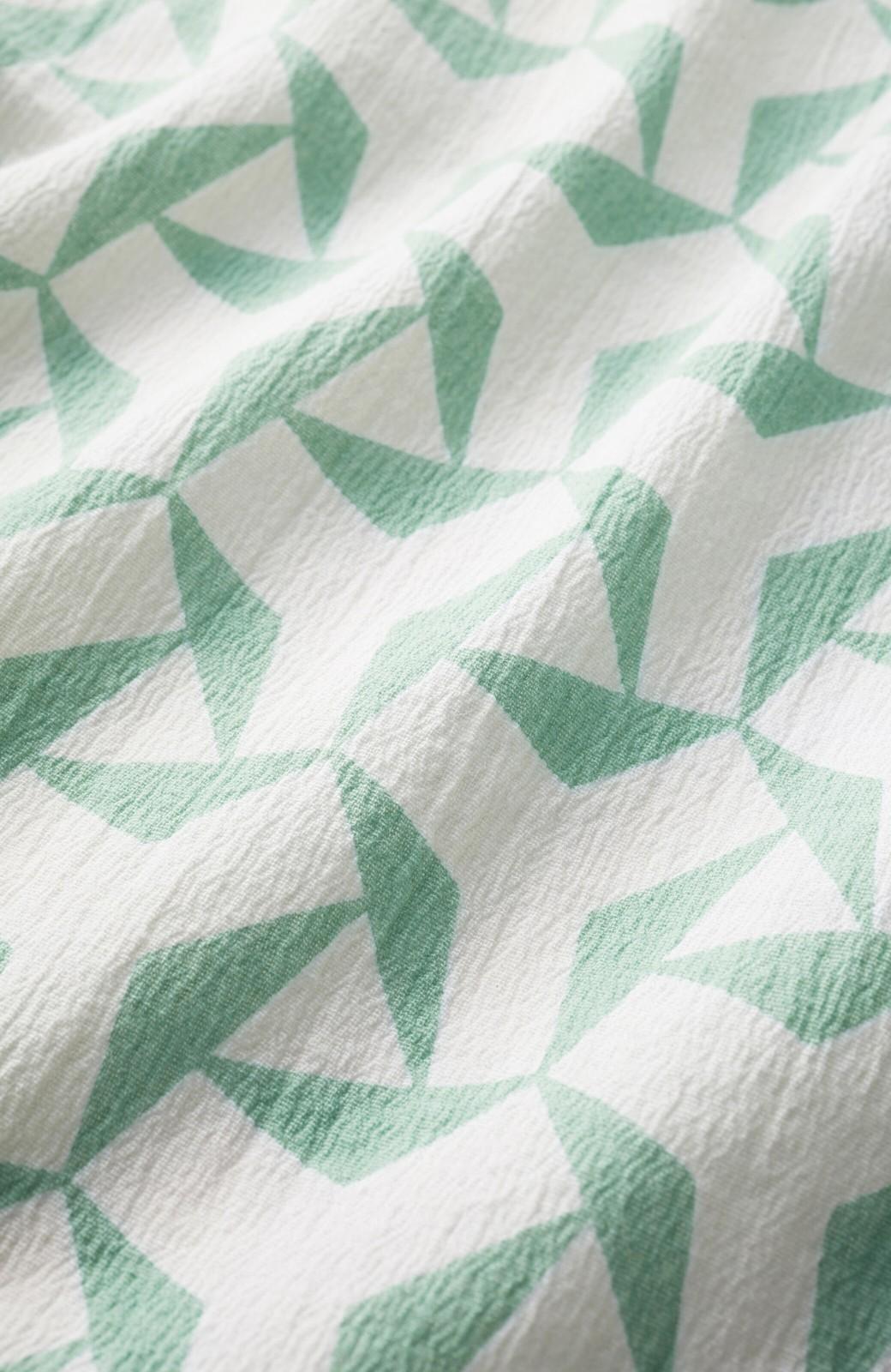 haco! 京都の浴衣屋さんと作った浴衣生地の後ろボタンブラウス <ホワイト×グリーン>の商品写真3