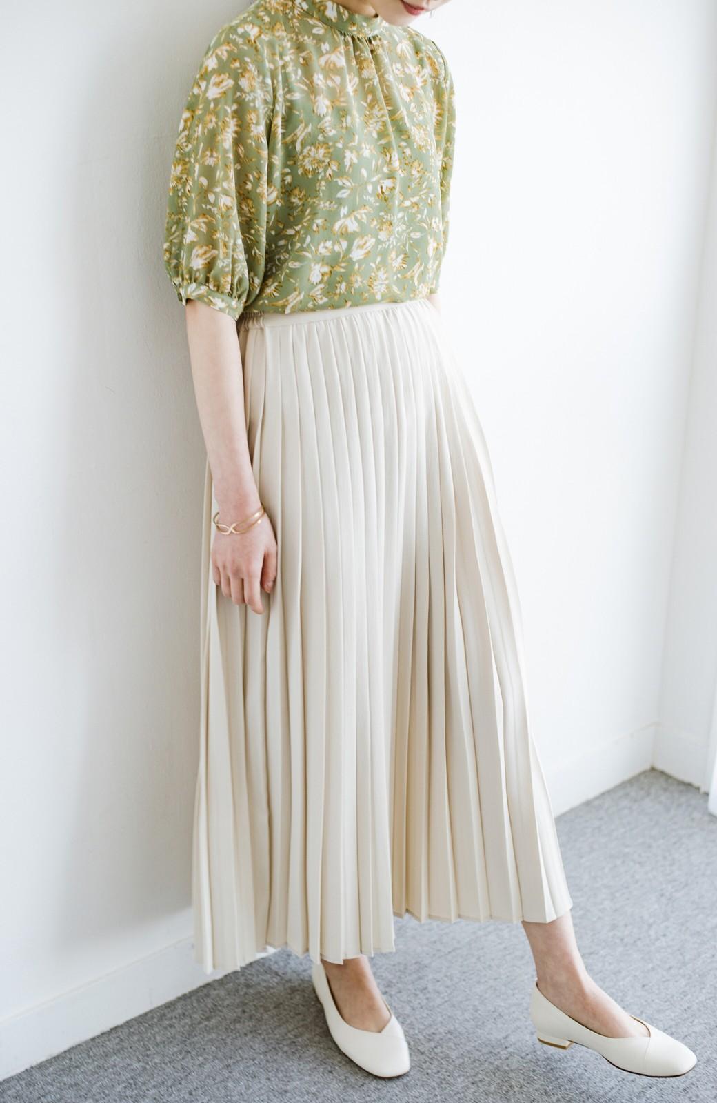 haco! いつものTシャツを合わせるだけで着映えする 何かと便利なプリーツロングスカート <ライトベージュ>の商品写真6