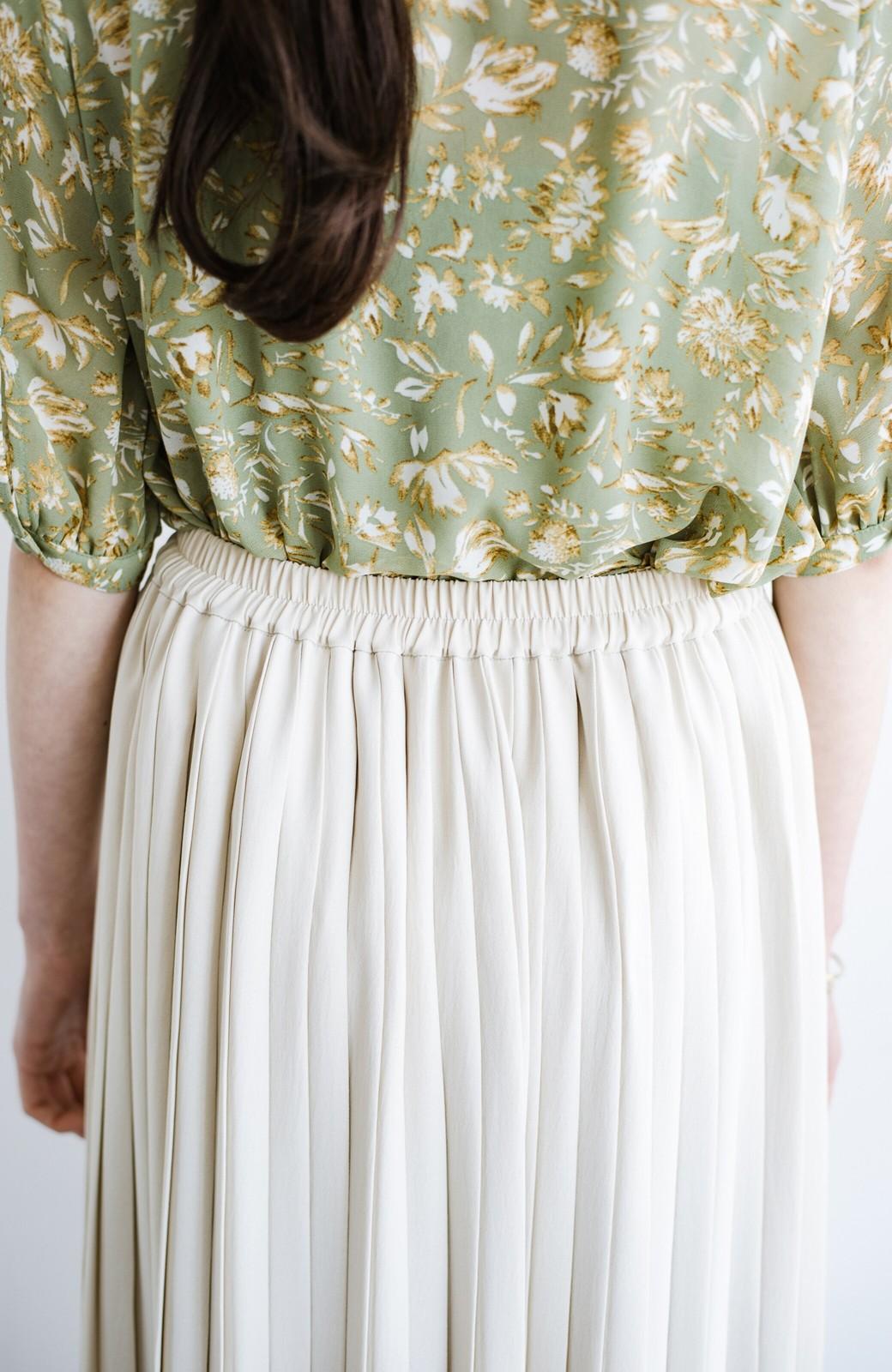 haco! いつものTシャツを合わせるだけで着映えする 何かと便利なプリーツロングスカート <ライトベージュ>の商品写真9