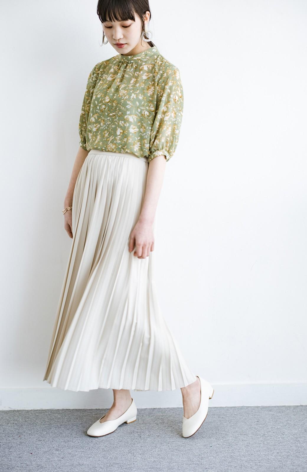 haco! いつものTシャツを合わせるだけで着映えする 何かと便利なプリーツロングスカート <ライトベージュ>の商品写真13