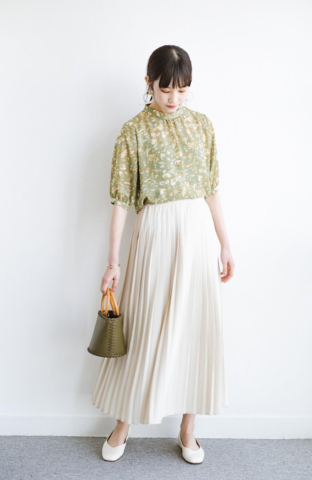 haco! いつものTシャツを合わせるだけで着映えする 何かと便利なプリーツロングスカート <ライトベージュ>の商品写真2