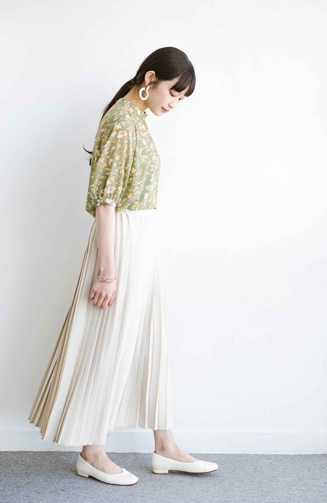 haco! いつものTシャツを合わせるだけで着映えする 何かと便利なプリーツロングスカート <ライトベージュ>の商品写真11