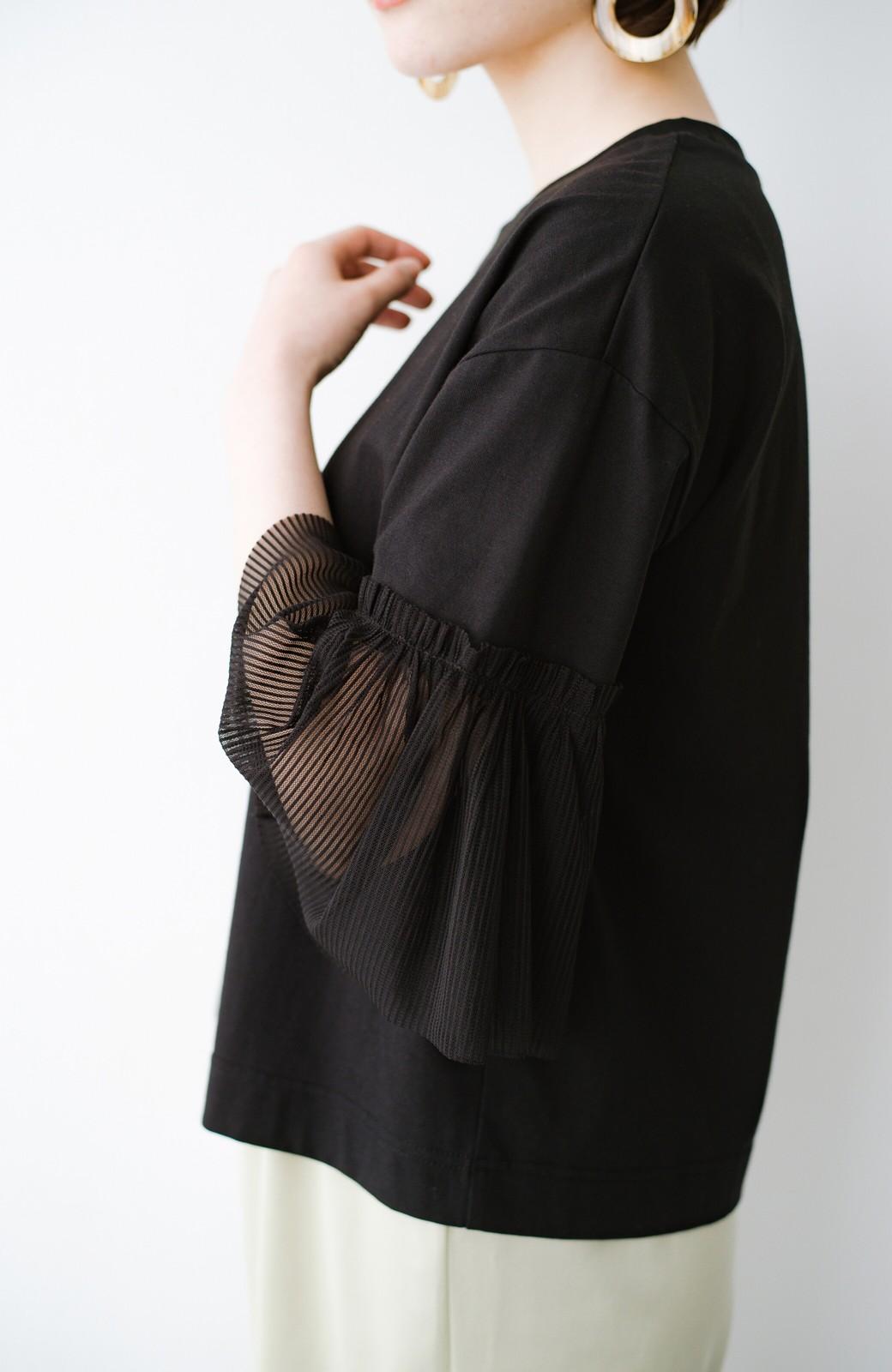 haco! ほんのり透けるストライプ袖が女っぽい 異素材カットソートップス <ブラック>の商品写真4