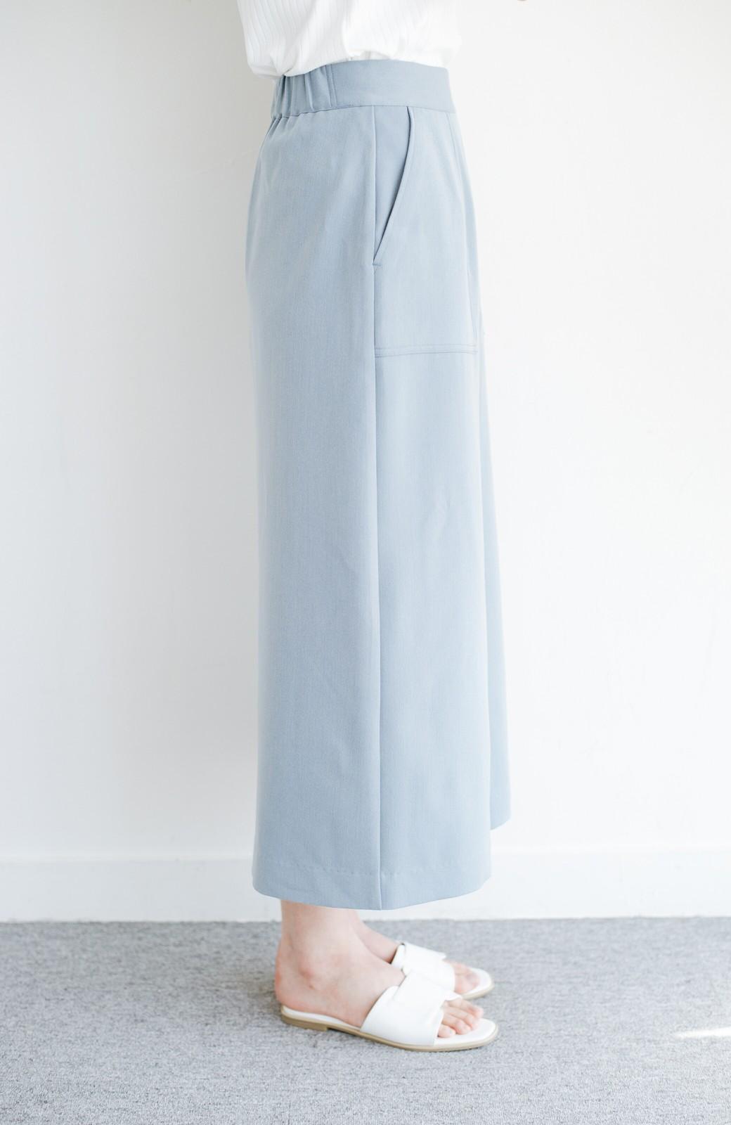 haco! カジュアルにもきれいめにも着られて便利 スリットが女っぽいセミタイトスカート <ブルー>の商品写真4