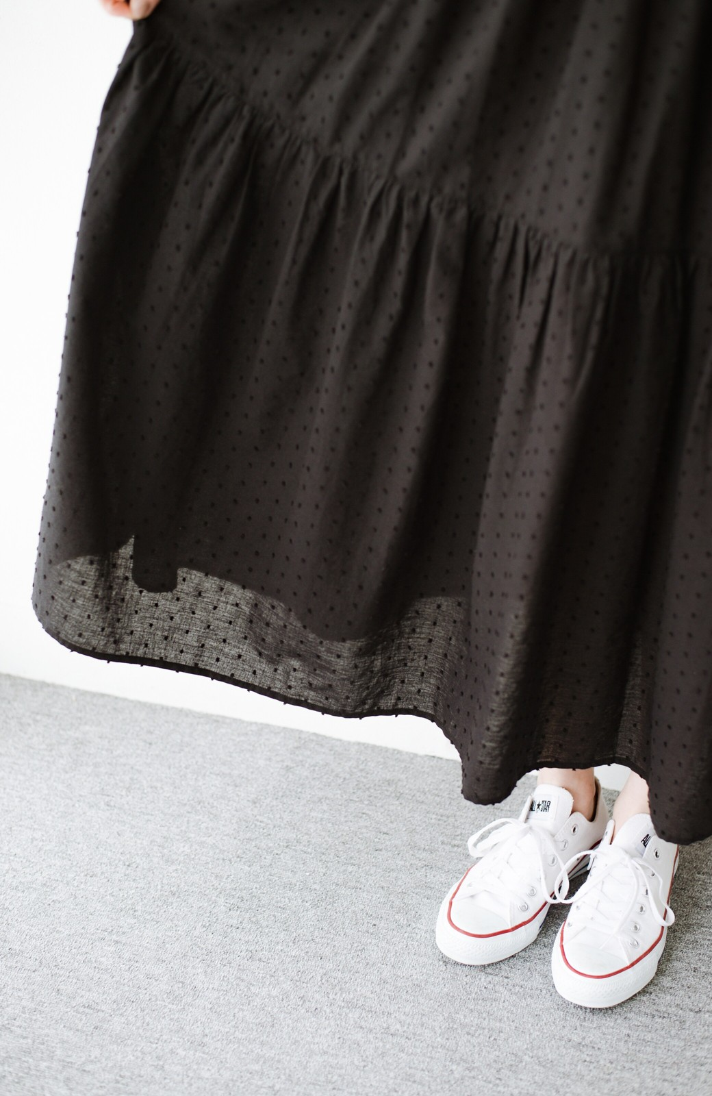 haco! パッと着てルンとする ふんわりシルエットがかわいいドビードットティアードワンピース <ブラック>の商品写真6