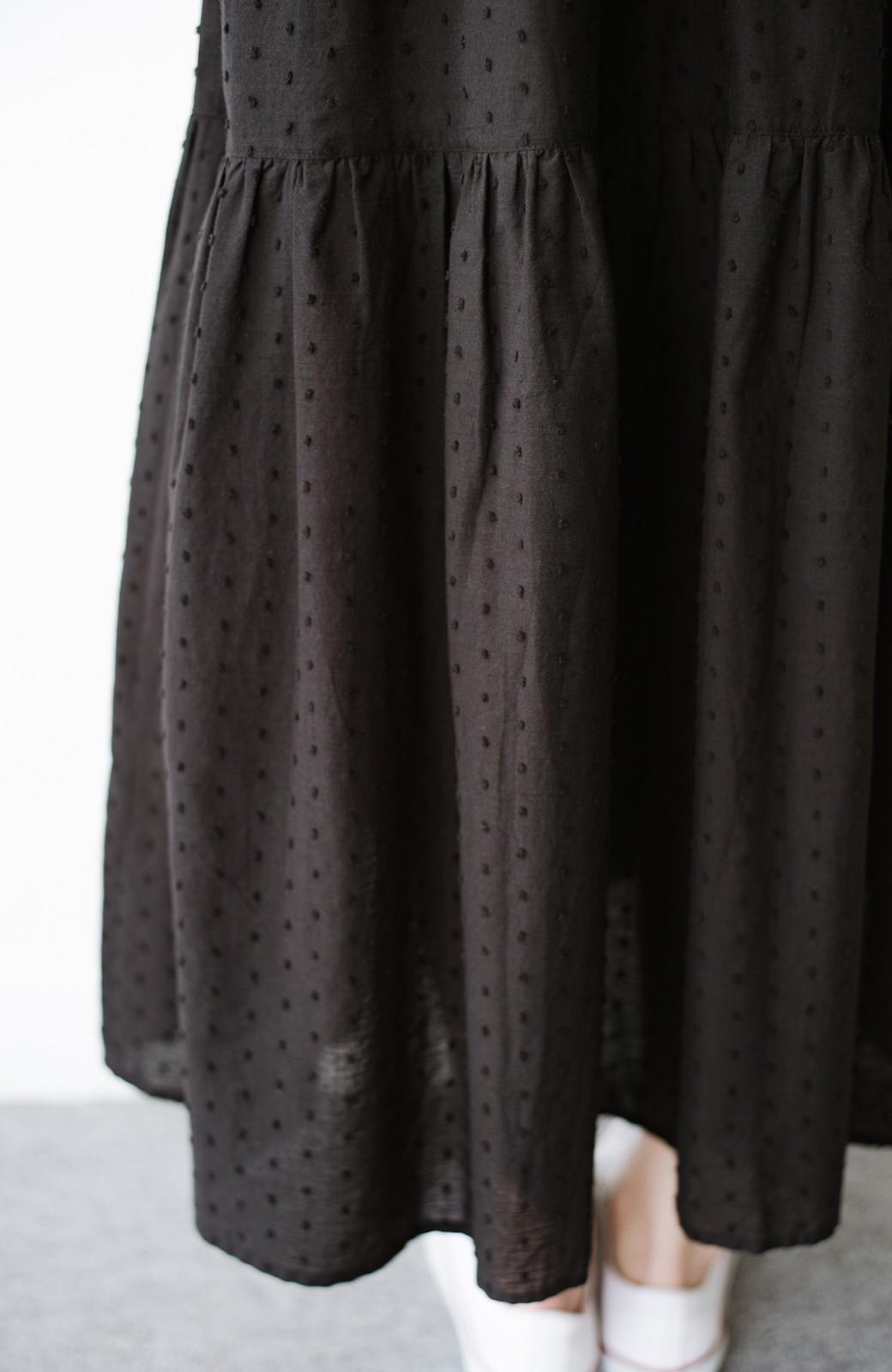 haco! パッと着てルンとする ふんわりシルエットがかわいいドビードットティアードワンピース <ブラック>の商品写真7
