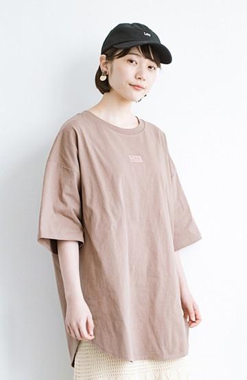 haco! LadyLee シンプルで使いやすい刺しゅうロゴTシャツ <ブラウン>の商品写真