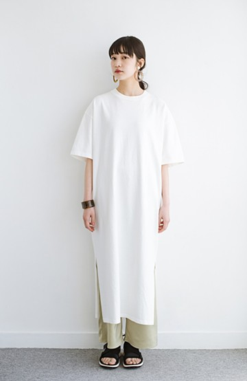 haco! 一枚でサマになる!しっかり素材できれいシルエットのTシャツワンピース by Healthknit <オフホワイト>の商品写真