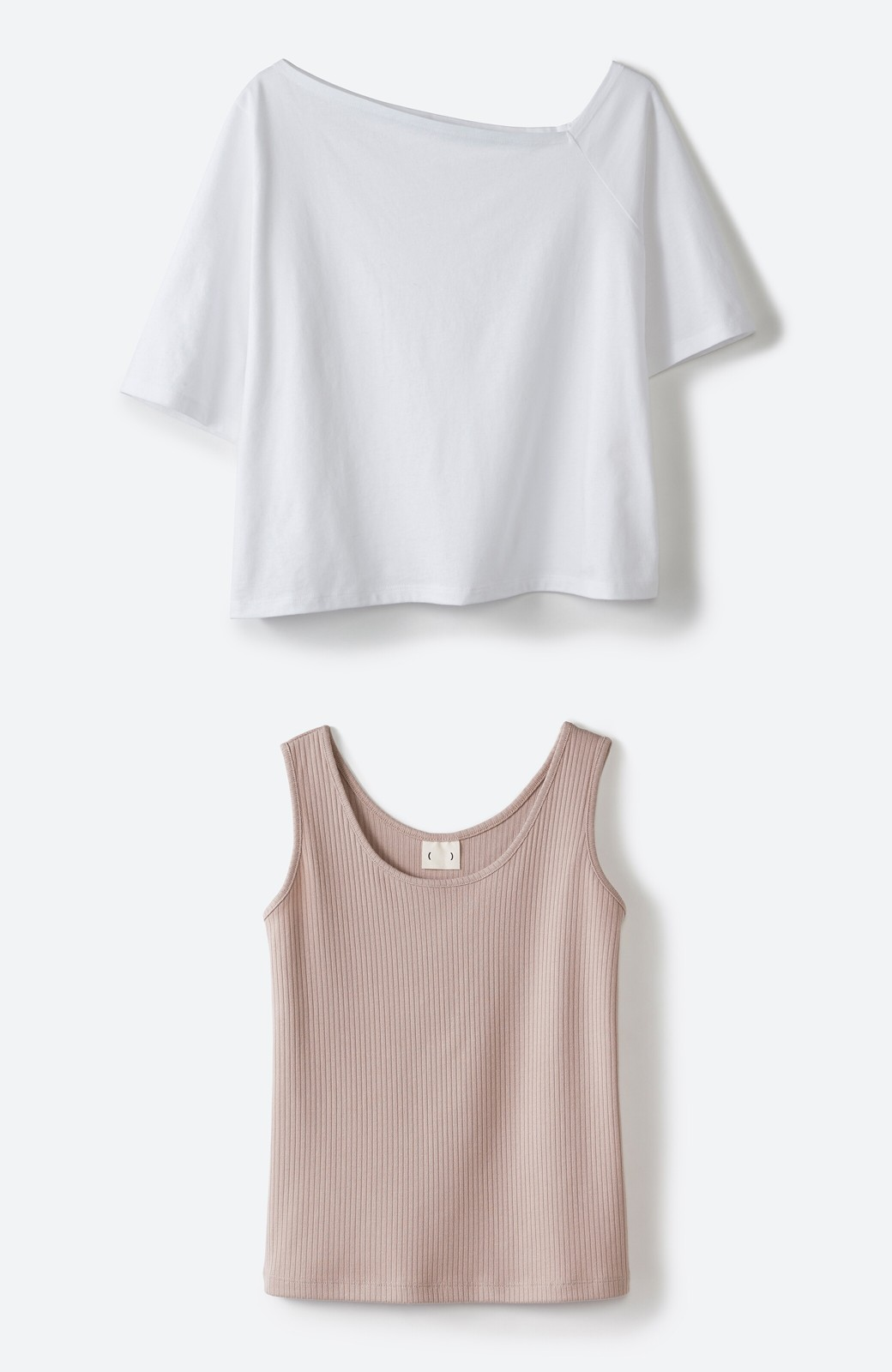 haco! 気になっていたあのデザインを取り入れやすく!こなれ衿Tシャツとタンクトップのセット <ホワイト>の商品写真2