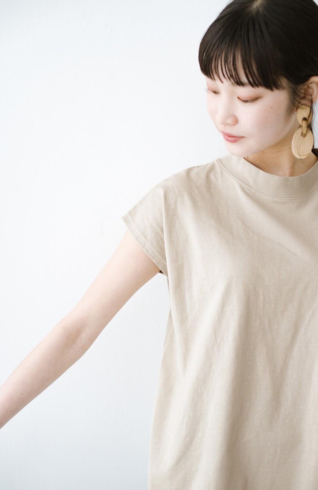 haco! 迷ったらコレ!でおしゃれに見える いくつあっても便利な定番ハイネックTシャツ <ライトベージュ>の商品写真4