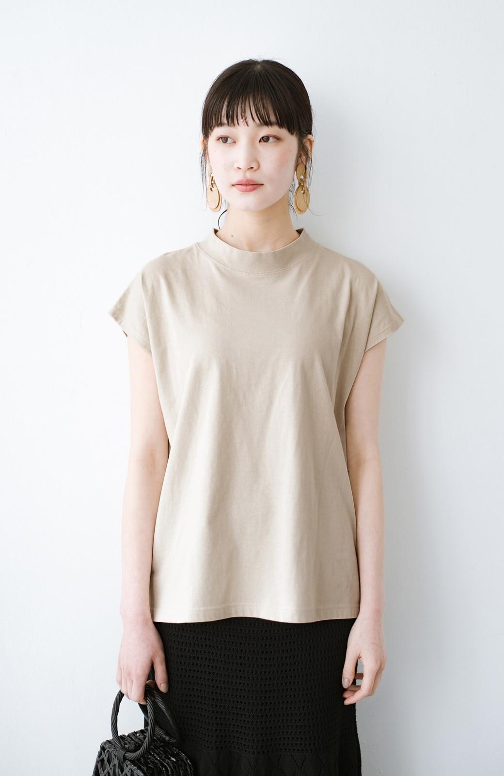 haco! 迷ったらコレ!でおしゃれに見える いくつあっても便利な定番ハイネックTシャツ <ライトベージュ>の商品写真1