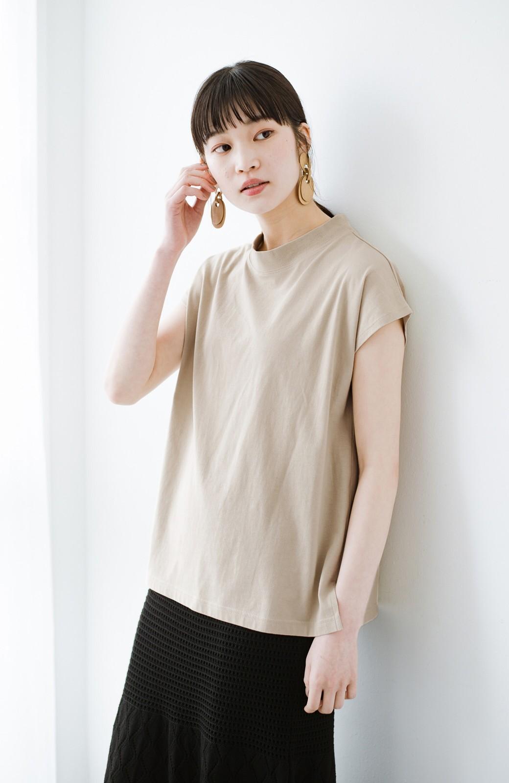 haco! 迷ったらコレ!でおしゃれに見える いくつあっても便利な定番ハイネックTシャツ <ライトベージュ>の商品写真9