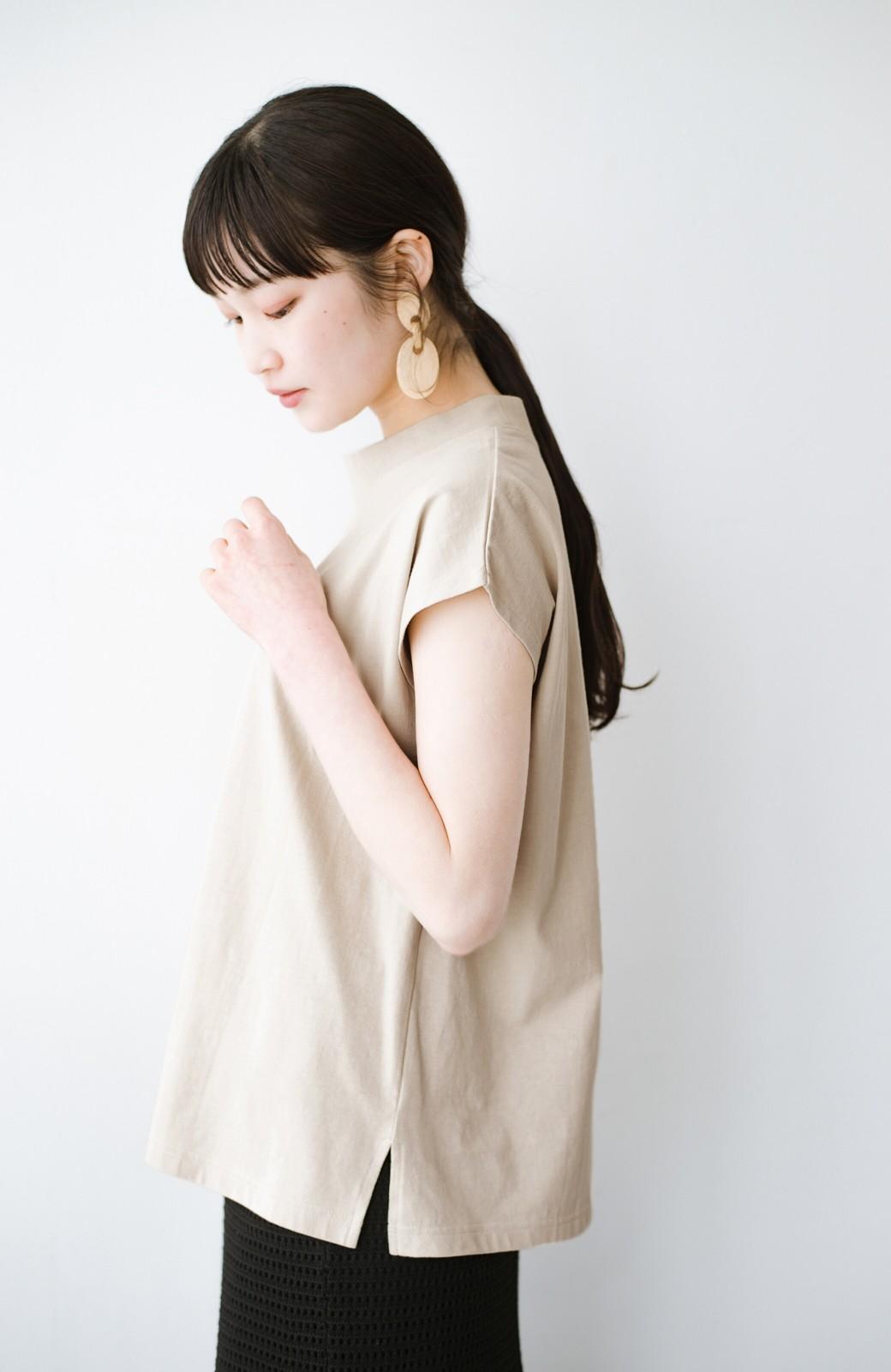 haco! 迷ったらコレ!でおしゃれに見える いくつあっても便利な定番ハイネックTシャツ <ライトベージュ>の商品写真11
