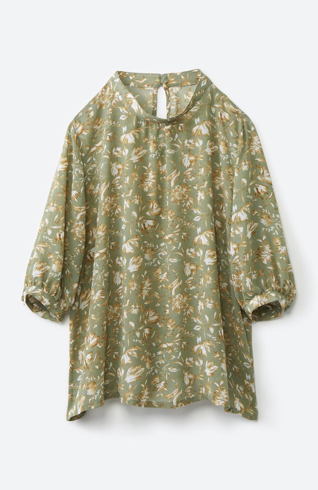 haco! 照れずに着られるとろみシフォンの大人可愛い花柄ブラウス <グリーン系その他>の商品写真2