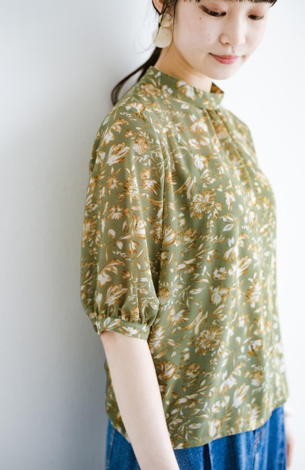 haco! 照れずに着られるとろみシフォンの大人可愛い花柄ブラウス <グリーン系その他>の商品写真6