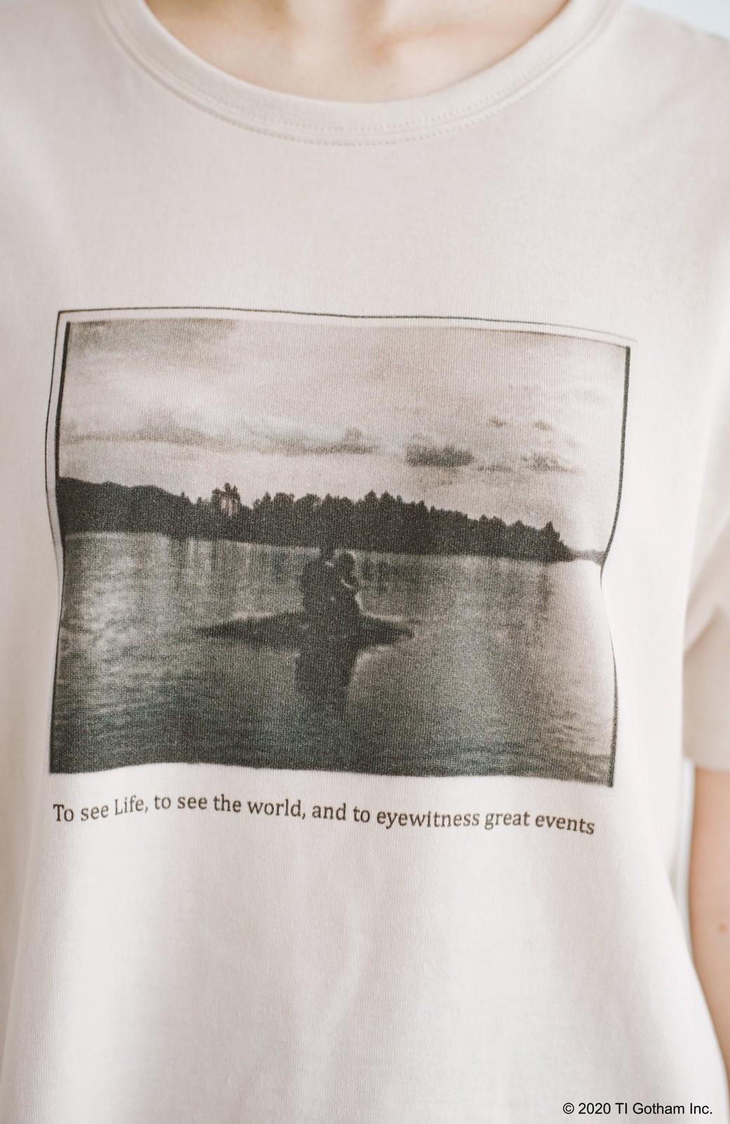 haco! フォトマガジン「LIFE」コラボ 大人のためのしなやかフォトプリントTシャツ <ライトベージュ>の商品写真3