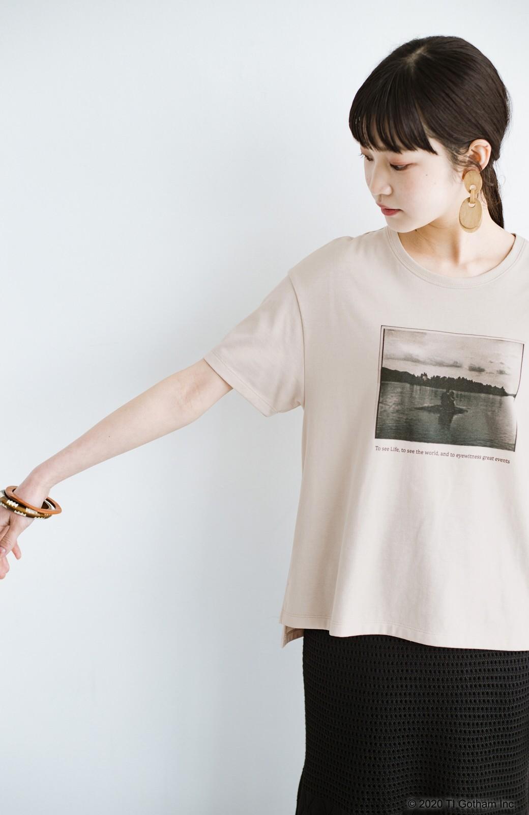 haco! フォトマガジン「LIFE」コラボ 大人のためのしなやかフォトプリントTシャツ <ライトベージュ>の商品写真13