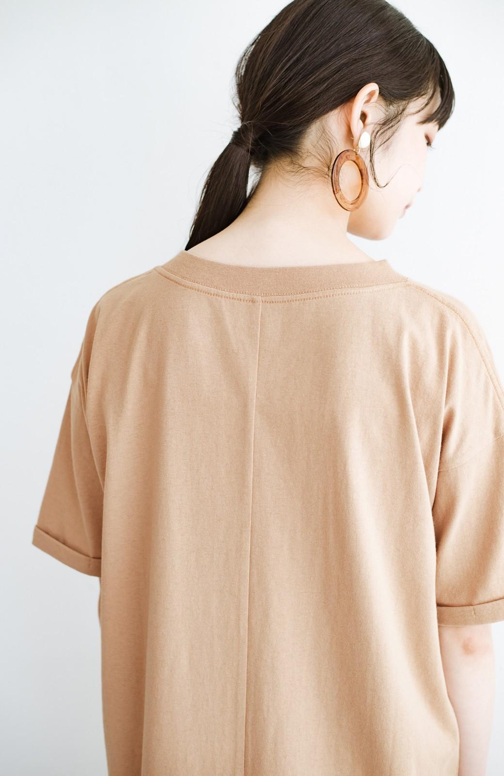 haco! キーネックがさり気なく女っぽい 重ね着にも便利なビッグTシャツワンピース <ベージュ>の商品写真5